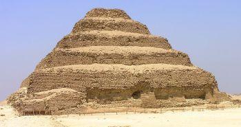 Pirámide escalonada de Djoser, Saqqara. Bajo las arenas de Kemet, arquitectura antiguo Egipto
