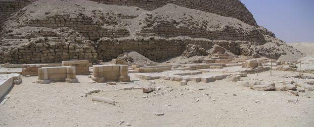 Templo funerario en la cara norte de la pirámide