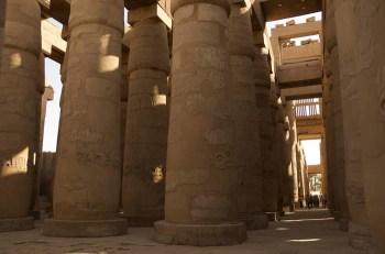 La Gran Sala Hipóstila Karnak, el templo clásico en el antiguo Egipto