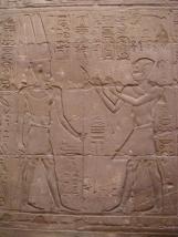 Grabado de Alejandro Magno frente al dios Amón, Luxor. Bajo las arenas de Kemet, Arquitectura antiguo Egipto
