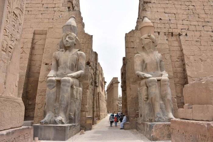 Colosos de Ramsés II, Luxor. Bajo las arenas de Kemet, Arquitectura antiguo Egipto