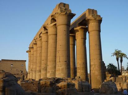 Columnata Amenhotep III, templo de Luxor. Bajo las arenas de Kemet, Arquitectura antiguo Egipto