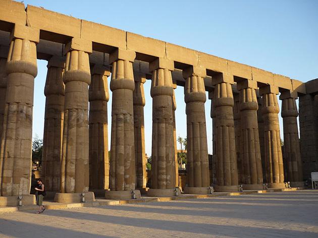 Patio de Amenhotep III, Luxor. Bajo las arenas de Kemet, Arquitectura antiguo Egipto