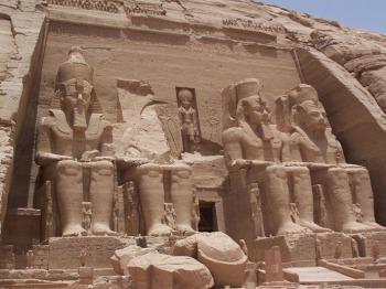 Templo de Abu Simbel, Ramsés II, Bajo las arenas de Kemet, arquitectura antiguo Egipto
