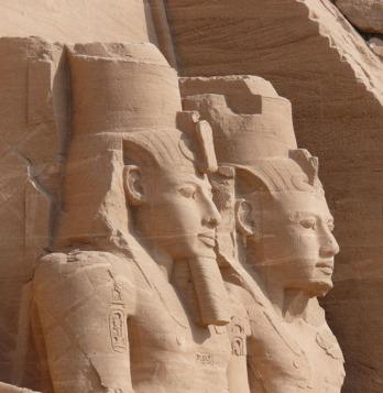 Colosos de Ramsés II en Abu Simbel