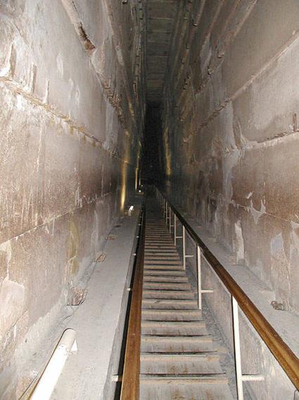 La Gran Galería de la Gran Pirámide de Keops, Khufu, Guiza. Bajo las arenas de Kemet. Arquitectura antiguo Egipto