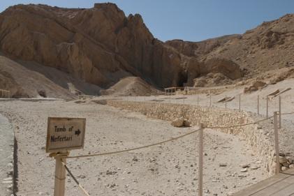 El valle de las reinas, la tumba de Nefertari, qv66, Ramsés II, Bajo las arenas de Kemet, antiguo Egipto