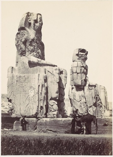 Los colosos de Memnón, Francis Frith, templo funerario Amenhotep III, Tebas, Bajo las arenas de Kemet. Arquitectura antiguo Egipto
