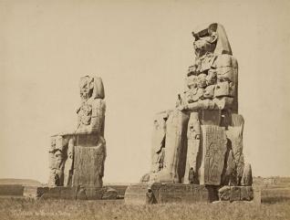 Los colosos de Memnón, Pascal Sebah, templo funerario Amenhotep III, Tebas, Bajo las arenas de Kemet. Arquitectura antiguo Egipto