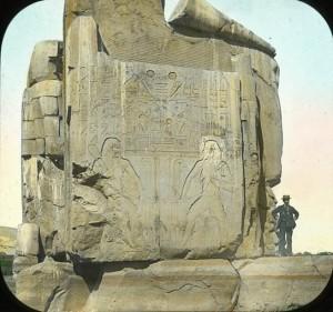Los colosos de Memnón, templo funerario Amenhotep III, Tebas, Bajo las arenas de Kemet. Arquitectura antiguo Egipto