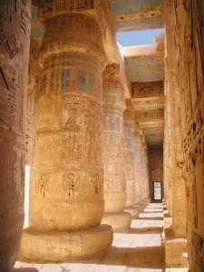 Medinet Habu, templo funerario Ramsés III, arquitectura antiguo Egipto, Sandra Pajares, Bajo las arenas de Kemet