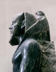 Estatua de Kefrén entronizado con el dios Horus. Complejo funerario de Kefrén [Khaefra]. Bajo las arenas de Kemet. Arquitectura antiguo Egipto