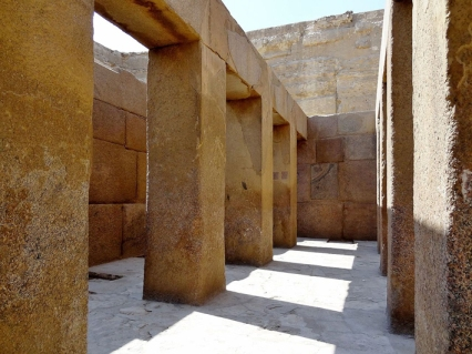 Templo del valle de la pirámide de Kefrén [Khaefre]. Complejo funerario de Kefrén [Khaefra]. Bajo las arenas de Kemet. Arquitectura antiguo Egipto
