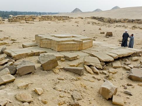 Templo Solar de Niuserre, Abu Gurob, Abusir, arquitectura antiguo Egipto, Bajo las arenas de Kemet