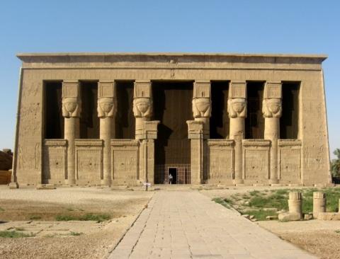 El templo de Hathor en Dendera, arquitectura antiguo Egipto, Bajo las arenas de Kemet